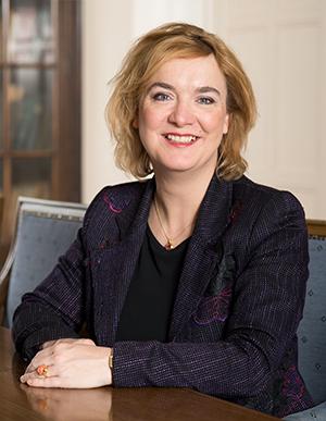 Astrid van Steenderen, notaris